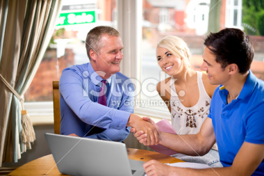 stock-photo-29034530-housebuying